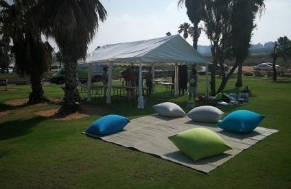 אוהל עם פינת זולה
